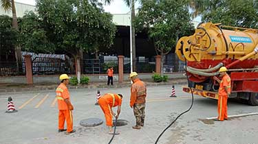 兴业路污水管道修复